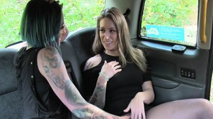 Lesbians screws on backseat of taxi