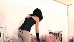 English mistress spanks submissives assholes