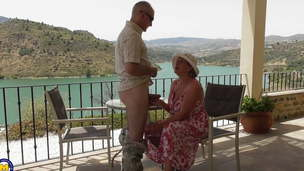 Mature busty wife gets going knuckle deep with amazing view