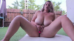 Chubby and sexy girl caresses her delicious bod