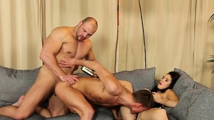 Babe blowing bisex cocks